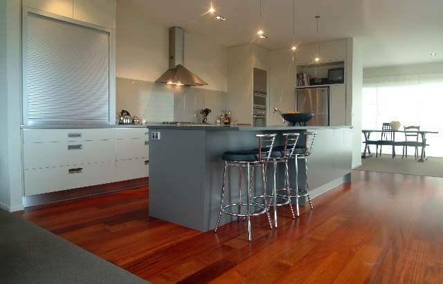 quel parquet choisir pour une cuisine. Black Bedroom Furniture Sets. Home Design Ideas